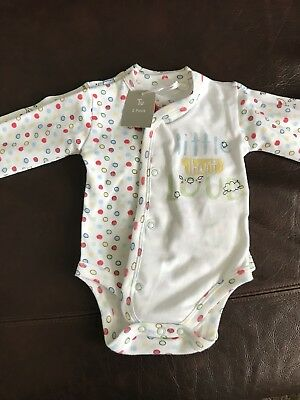 BNWT 2 Baby Vests Up To 3 Months Perfect Gift Unisex