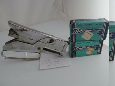 Vintage Arrow Fastener Hand Stapler P-22 With Staples 1/4 And 5/16 Inch