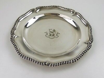 Top quality SILVER DINNER PLATE or SERVING TRAY, London 1900 G&SCo, crested 565g