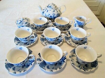 A 19 Piece Portmeirion Botanic Blue Tea Service with Tea Pot