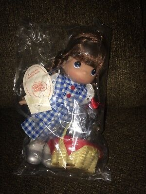 2012 Precious Moments Doll ~ Home Is Where the Heart Is ~ Dorothy ~ NIP