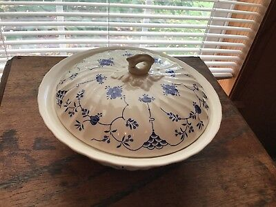 Myott Staffordshire England Blue Finlandia Covered Serving Bowl
