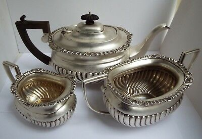 SUPERB LRGE HEAVY 1099g ENGLISH ANTIQUE 1904 SOLID STERLING SILVER 3 PCE TEA SET