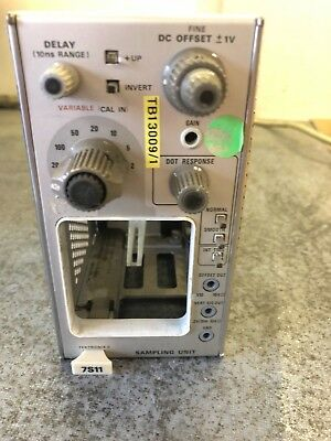 Tektronix 7S11 Sampling Unit  Plug In For 7000 Series Oscilloscopes
