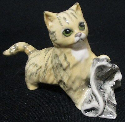 Vintage Royal Doulton Cat / Kitten with Newspaper # 11