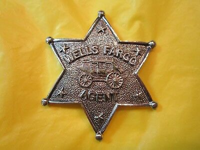 Wells Fargo Agent Silver Tone Metal Star Badge Pin Back 6 Point Stagecoach Logo