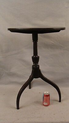 Antique 18C Carved Mahogany Spider Leg Oval Tilt Top Candlestand Table