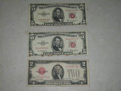 US Red Seal Bills 2 x $5.00 1953 and 1 x $2.00 1928 US Notes Ungraded