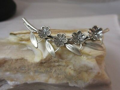 Magnificent Beau sterling silver flower brooch fabulous stylish brooch for you!