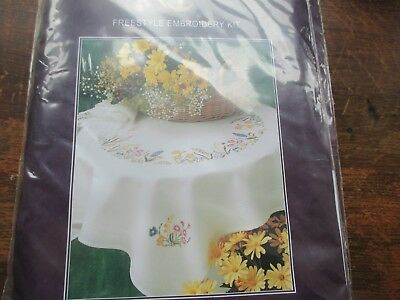 ANCHOR | Embroidery Kit: Spring Garland - Tablecloth | ETW14