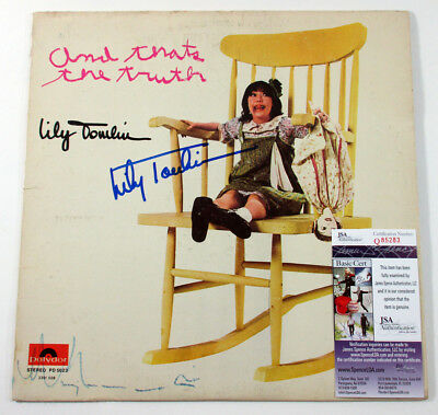 Lily Tomlin Signed LP Record Album And That's The Truth w/ JSA AUTO DF020040