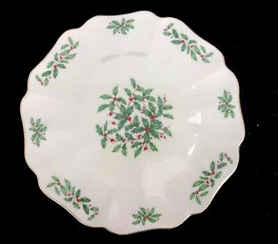 LENOX HOLIDAY Scalloped Cake Christmas Holly Ivory China 24K Gold Rim 11-3/4""