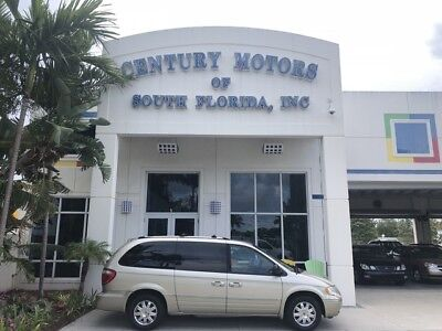 Chrysler Town & Country  Full Loaded GPS Nav DVD Heated Seats STOW-N-GO