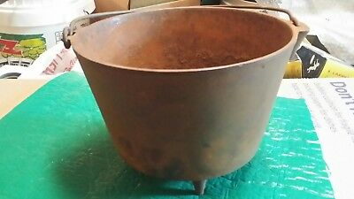 "Antique vintage #6 or #7  cast iron 3 leg  Bean Pot,gypsy  7"" high 9 1/4"" wide"