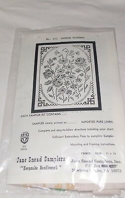 VINTAGE JANE SNEAD SAMPLER KIT No 575  GARDEN FLOWERS