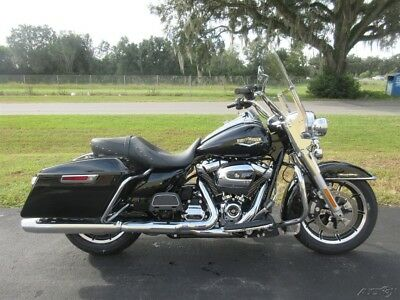 2019 Touring  2019 Harley-Davidson Road King, FACTORY WARRANTY, LOW MILEAGE, SUPER CLEAN