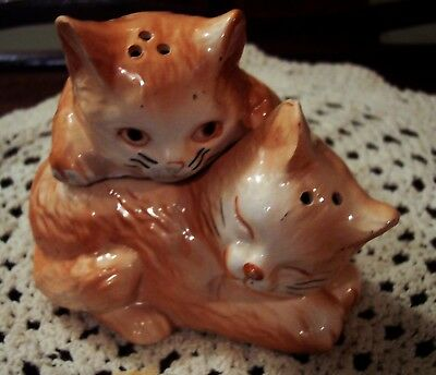 "Cat Salt Pepper Shaker Set, Cuddle up to Each Other, Measure 4"" Long Mint Cond"