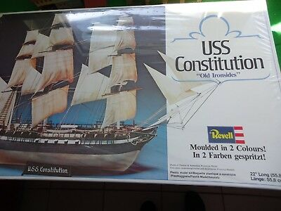 Revell 5600 USS Constitution6cm  1:372  sealed -Neu OVP-Aus Nachlass