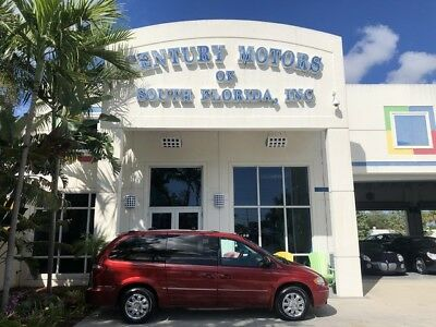 2005 Chrysler Town & Country  Nav Sunroof Heated Seats DVD Power Doors Leather