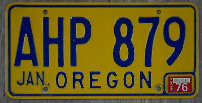 1976 OREGON Classic Blue on Yellow / Orange License Plate AHP 879