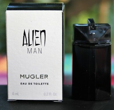 "Miniature ""Alien MAN"" de Thierry Mugler"