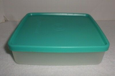Vintage Tupperware Square Away Sandwich Containers Keepers #670 Green Lid