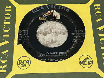 45 RPM Fantastics RCA VICTOR 7572 There Goes My Love / Millionaire Hobo VG