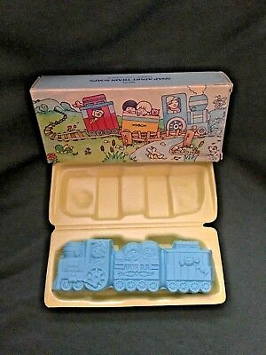 ALL ABOARD - Vintage 1982 Collector's Item - AVON Snap-Apart Train Soaps