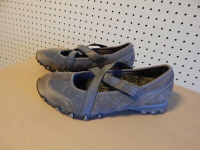 Womens Skechers cross strap casual shoes - # 21391- size 7 - gray