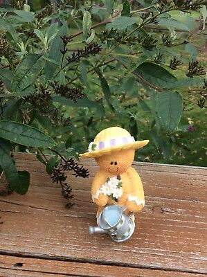 Sarah's Attic May Spring Blossoms Yummykins Figurine With Water Can 1E/0276