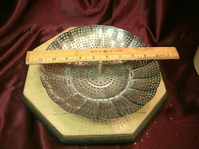 "Vtg 3 Leg Metal collapsible Strainer Steamer Insert-5.5"" opens to 9""-free ship"