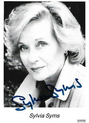 Rare Sylvia Syms Obe Signed Photograph Ice Cold In Alex No Trees In The Street