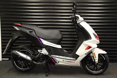 PEUGEOT SPEEDFIGHT 4 50 RCUP 50cc LOW MILEAGE 1 OWNER