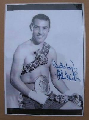 Superb Print - ALAN MINTER Signed Photograph with his BRITISH CHAMPIONSHIP BELT