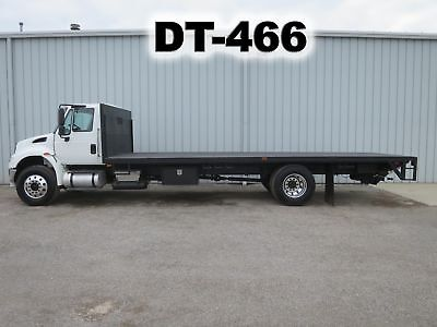 4400 Dt466 6 Speed Manual 25Ft Flatbed Stake Body Lift Gate Delivery Haul Truck