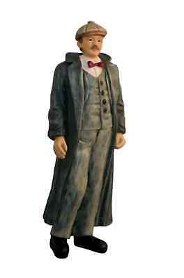 DOLLS HOUSE DOLL 1/12th SCALE OLD STYLE GENTLEMAN IN COAT & CAP RESIN FIGURE