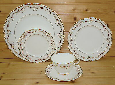 Royal Doulton Strasbourg 5-Pc Place Setting-Dinner-Salad Bread Plates-Cup & Sauc