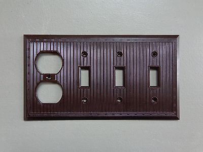 Vtg Triple Switch Single Outlet Cover Plate Brown Bakelite Ribbed Design USA