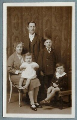 1920's era Postcard - Very smartly dressed family group - Guernsey