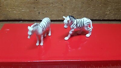 Sweet Pair Of Zebras~~Plastic Figures~~