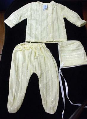 Vintage Styled By The Shepherd 3 Piece Baby Outfit - Top-Bottom-Bonnet- Small
