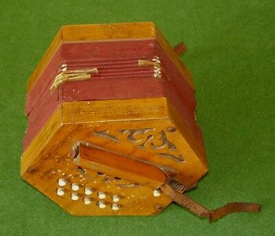 ANTIQUE CONCERTINA SQUEEZE BOX WORKING ORDER 21 BUTTONS VICTORIAN circa 1890