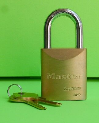 NEW Master Lock Pro Series 6840 With 2 Keys In Original Box