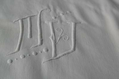 """FRENCH ANTIQUE SHEET MONOGRAM DOWRY 'M.V' INITIALS KING SIZE 106x89"""" #A55"""