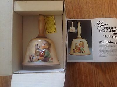 "*** Vintage In Box 1st Edit.1978 GOEBEL MJ HUMMEL Annual Bell ""LET'S SING"" #700"