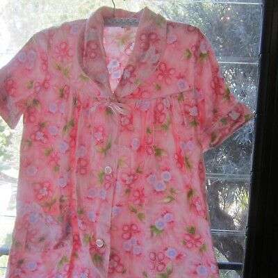 1960s Cotton Housedress Dressing gown Pink Floral textured Fabric b126cm Retro