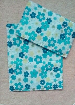 """DOLLS PRAM COT  QUILT SET WHITE WITH BLUE & LIME GREEN FLOWERS 10"""" x 12"""" NEW"""