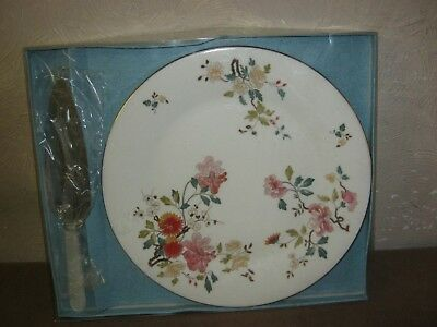 Large Floral Royal Vale Cake Plate With Ss Server
