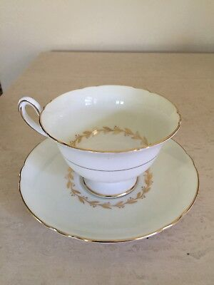 Shelley Bone China Bridal Wreath Teacup Tea Cup & Saucer