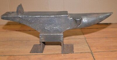 Rare antique Trenton clip horn anvil farriers knife makers 79 pounds collectible